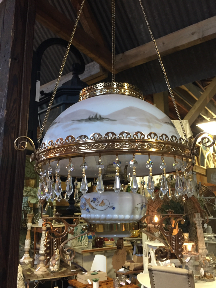Vintageville Antiques and Farmer's Market_Light_Columbus GA_K. Martinelli Blog_Kristen Martinelli.png