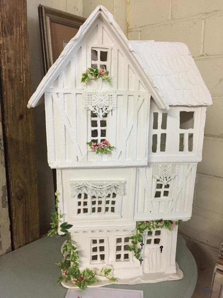 Vintageville Antiques and Farmer's Market_Dollhouse_Columbus GA_K. Martinelli Blog_Kristen Martinelli.png