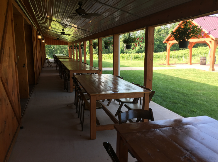 2019 Brook Hollow Winery Clam Bake_Picnic Tables_Columbia NJ _ K.Martinelli Blog_Kristen Martinelli.png
