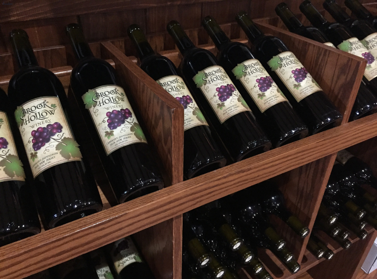 2019 Brook Hollow Winery Clam Bake_Bottles_Columbia NJ _ K.Martinelli Blog_Kristen Martinelli.png