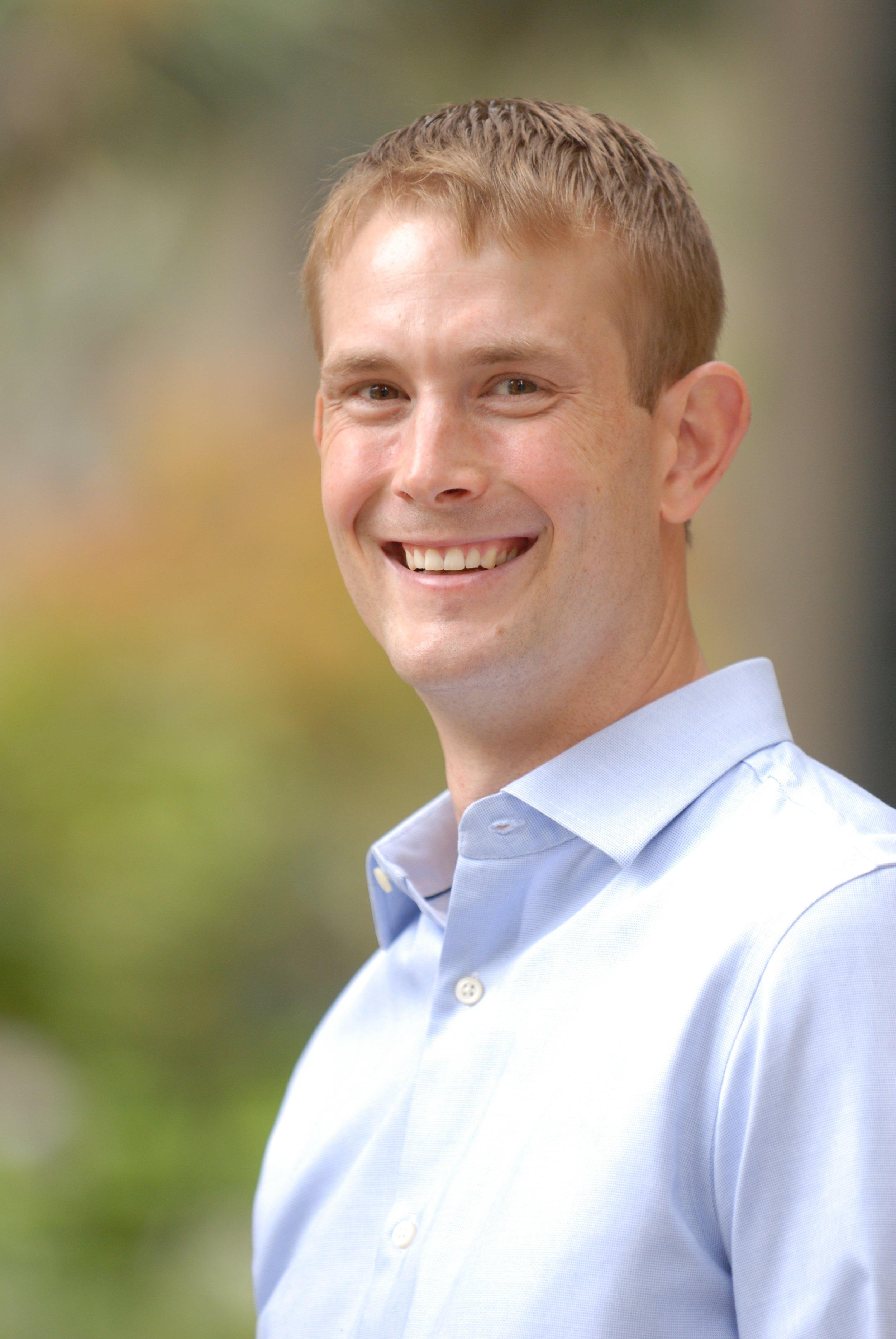 PROFESSOR: Ben Graham - DEPARTMENT: International RelationsFACULTY PAGE: link RATE MY PROFESSOR: