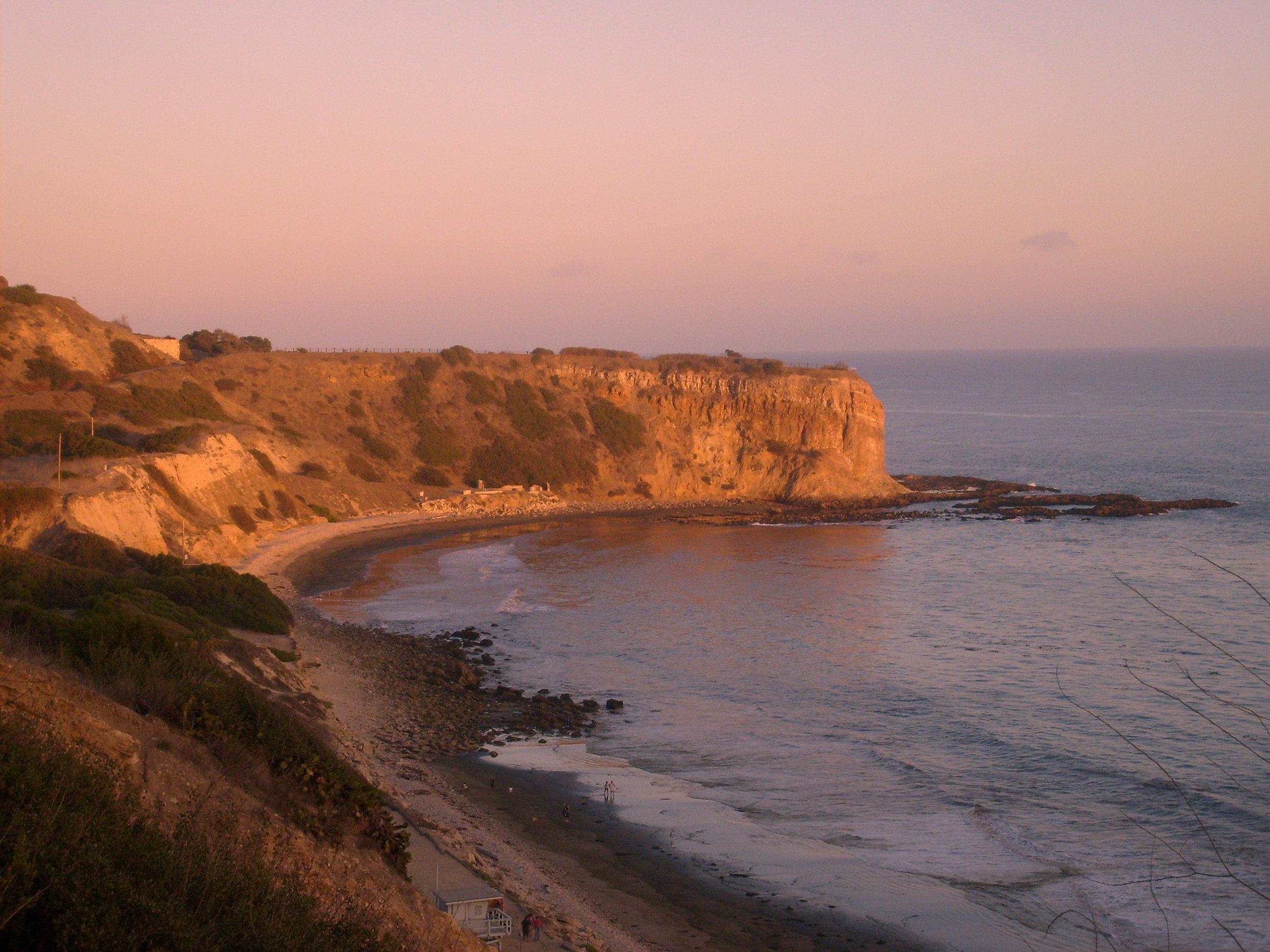 Portuguese_Bend_in_California.jpg