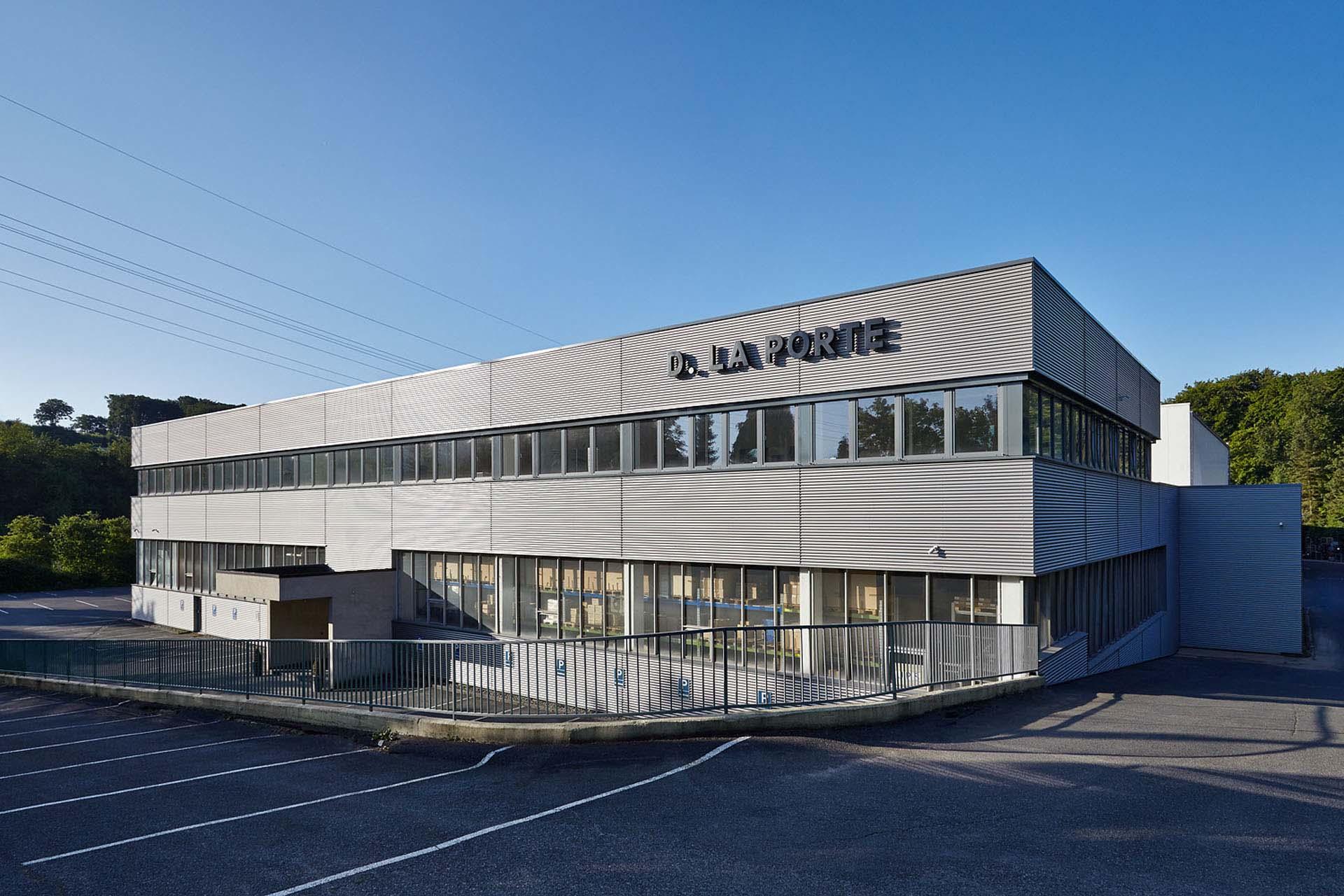 industrie-halle-fassade-02.jpg