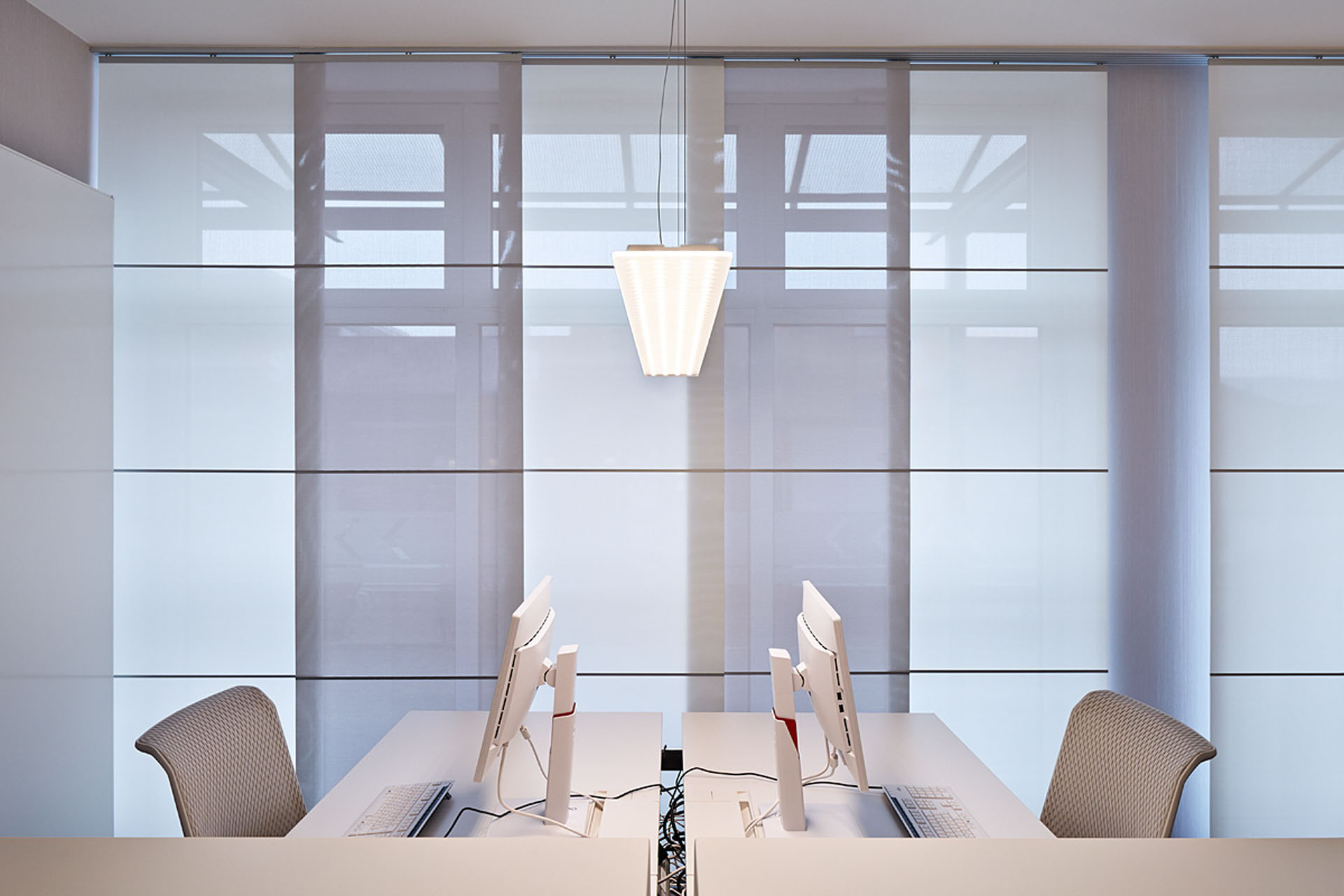 umbau-beleuchtung-steuerbüro-01.jpg