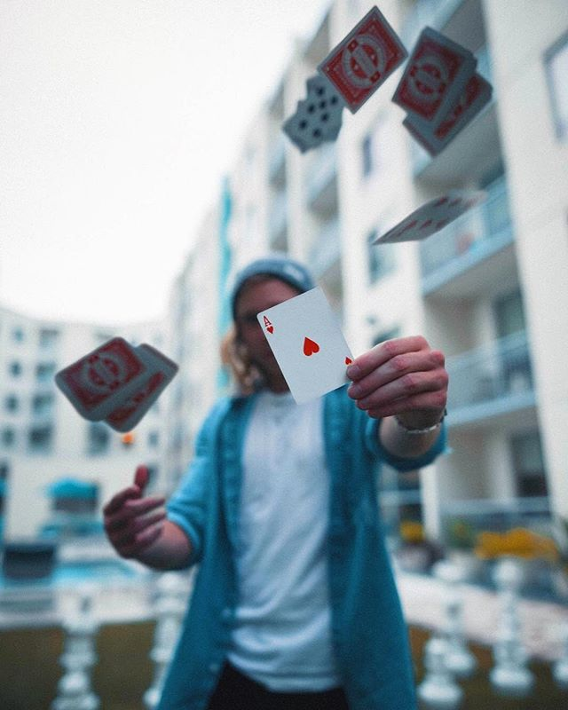 Threw away the deck and got my own cards • PC: @jhust.jpg