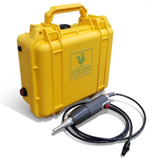 Ultrasonic welder for woven polypropylene egg belts, punched polypropylene egg belts and manure belts.