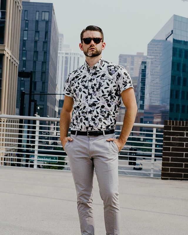 Who's ready for short sleeves and summer adventures?! ☀️ • #menswear #mensfashion #instagood #blog #blogger #liveauthentic #instaphoto #instafashion #ootd #outfitoftheday #fashion #instadaily #love #menstyle #fbloggers #dapper #gentleman #colorado #denverblogger #denver #instacool #hair #mensgrooming