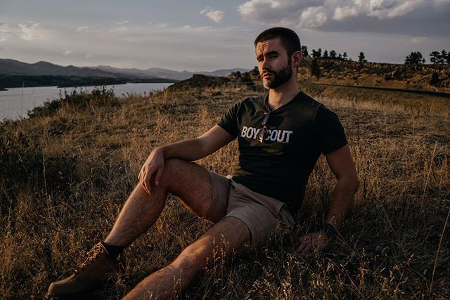 Let me be your golden hour? 🌄 • 📸 @laurenhera • #menswear #mensfashion #instagood #blog #blogger #liveauthentic #instaphoto #instafashion #ootd #outfitoftheday #fashion #instadaily #love #menstyle #fbloggers #dapper #gentleman #colorado #denverblogger #denver #instacool #hair #mensgrooming #rdpeople #rondorff