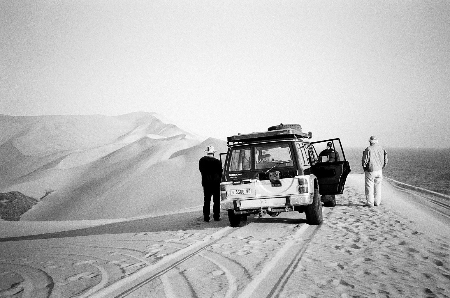 Forgotten Sand. - A photographic journey across the skeleton coast,West Africa.