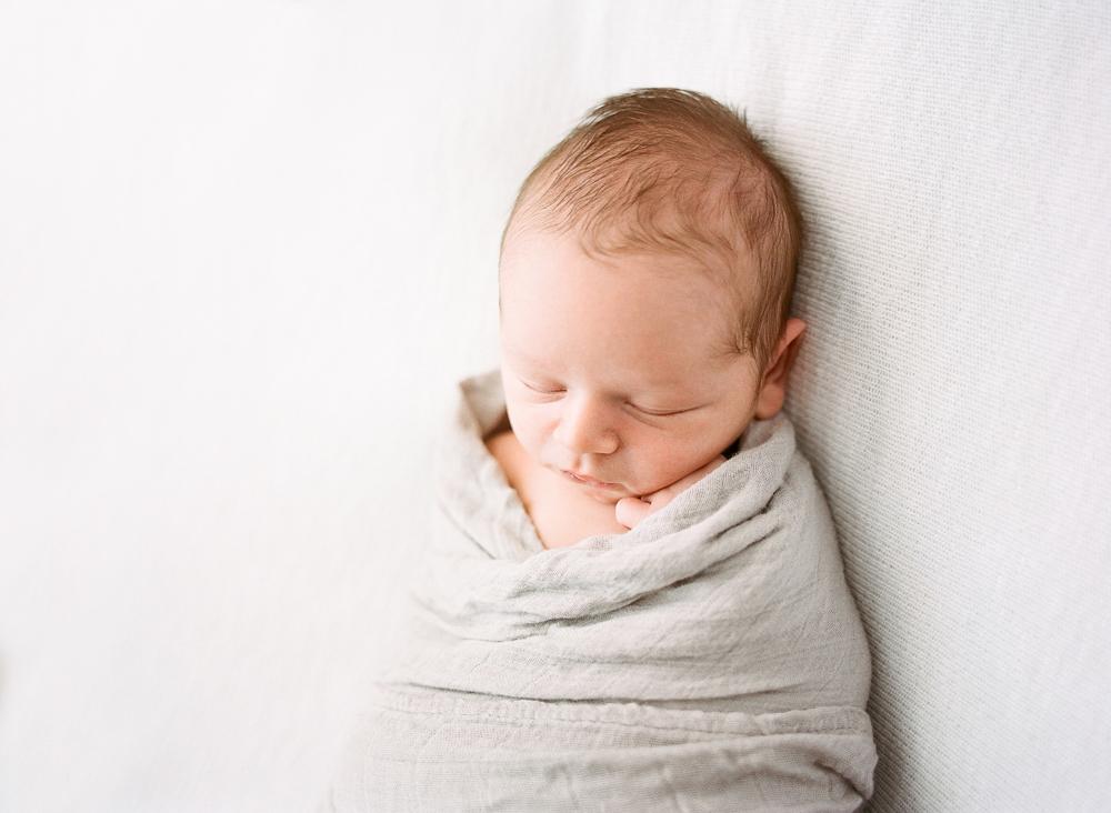 Newborn Lifestyle Family Photography Mississippi-14.jpg