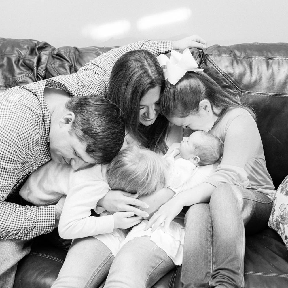 Newborn Lifestyle Family Photography Mississippi-19.jpg