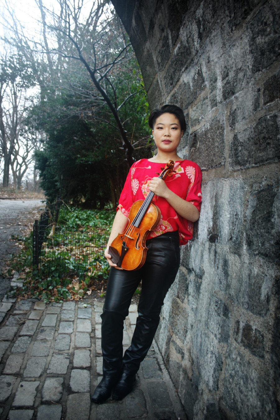 New York native  Manami Mizumoto  started her lifelong relationship with music at age 3 on the violin. Early exposure to chamber music both at home and later in her studies, sparked in her a devoted love of collaboration. This led to a fascination with performing contemporary music and working with living composers, which recently led to a project to benefit women's shelters in NYC. With Uhuru Quartet, a group she is a founding member of, Manami co-created and led a songwriting workshop as well as a benefit concert with composer Sato Matsui at the Women In Need shelter, and hopes to continue growing this project with more composer-collaborators and shelters in the future. Her driving curiosity is currently in exploring the dialogue between ancient and contemporary thoughts, as well as the dichotomy between nature and human development. Manami currently studies at the Juilliard School, where she is in the Historical Performance program for her Masters' degree.