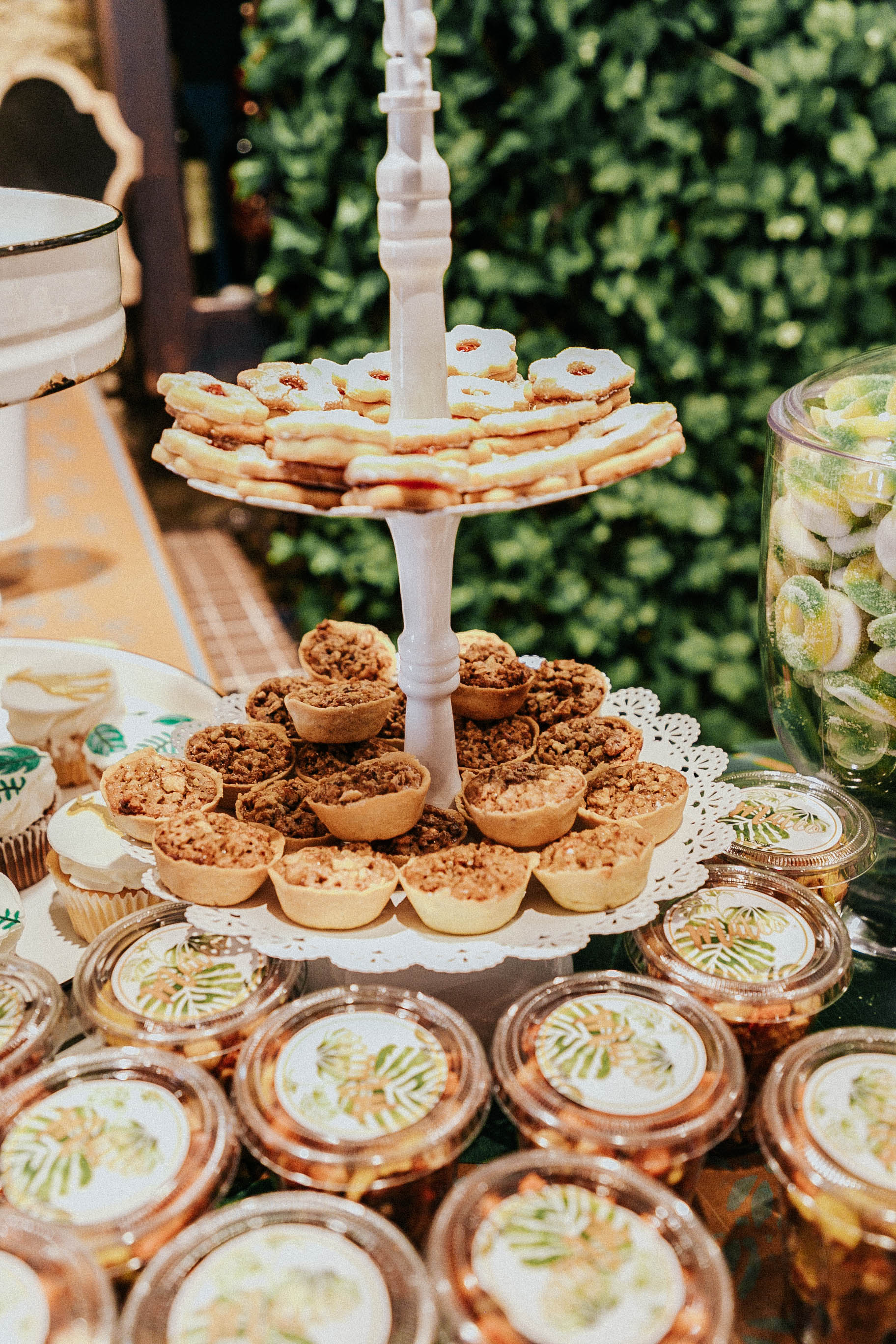 JUNGLE AND GREEN BABY SHOWER  (24).jpg