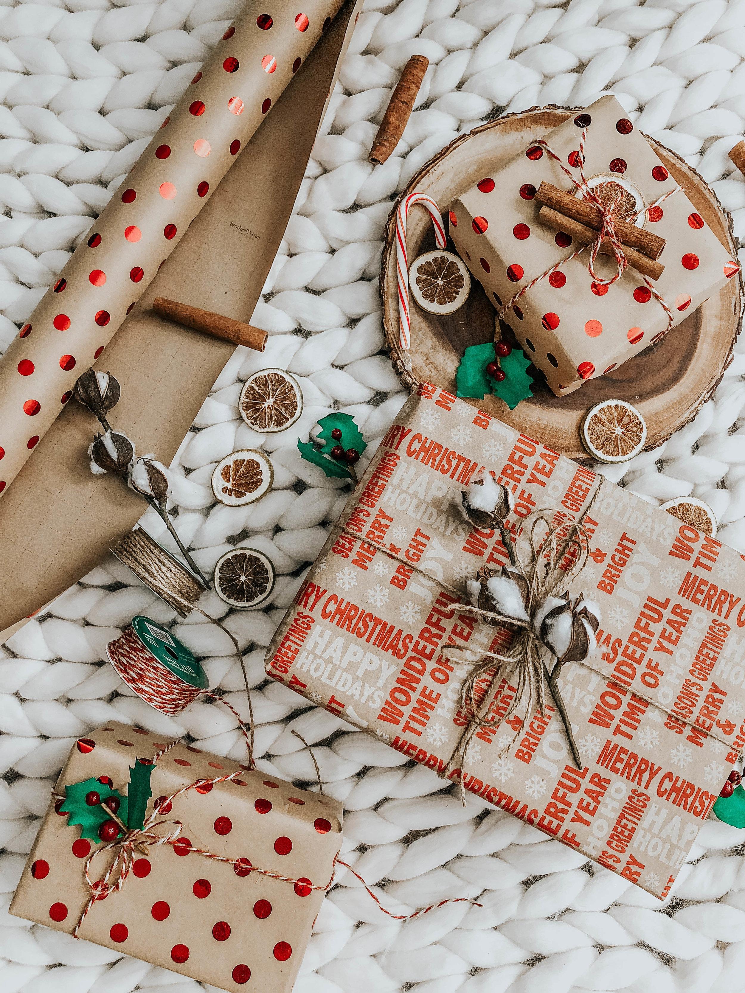 Christmas wrapper GIFT Ideas  (3).JPG