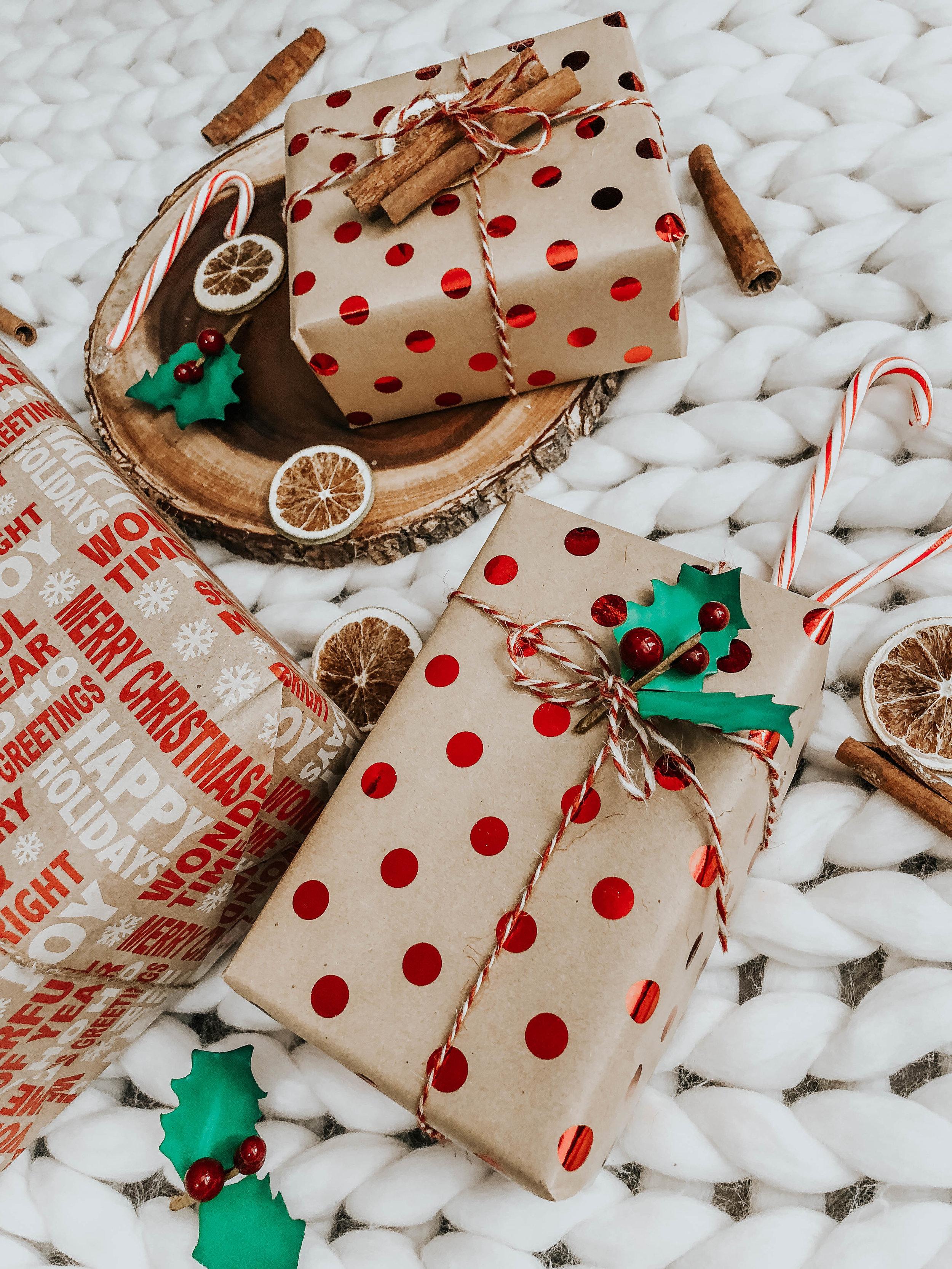 Christmas wrapper GIFT Ideas  (1).JPG