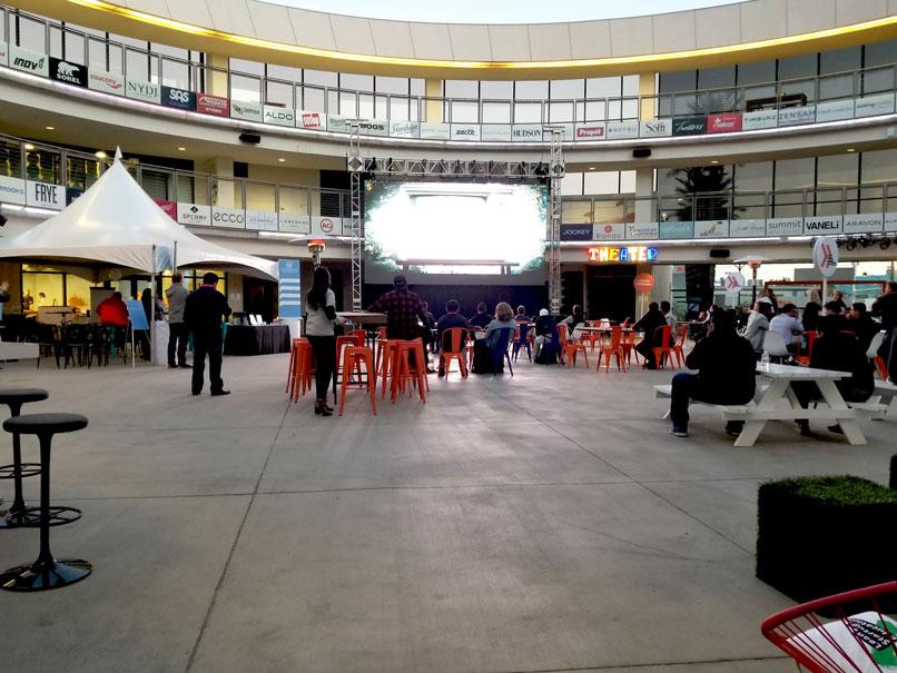 Zappos-Courtyard.jpg