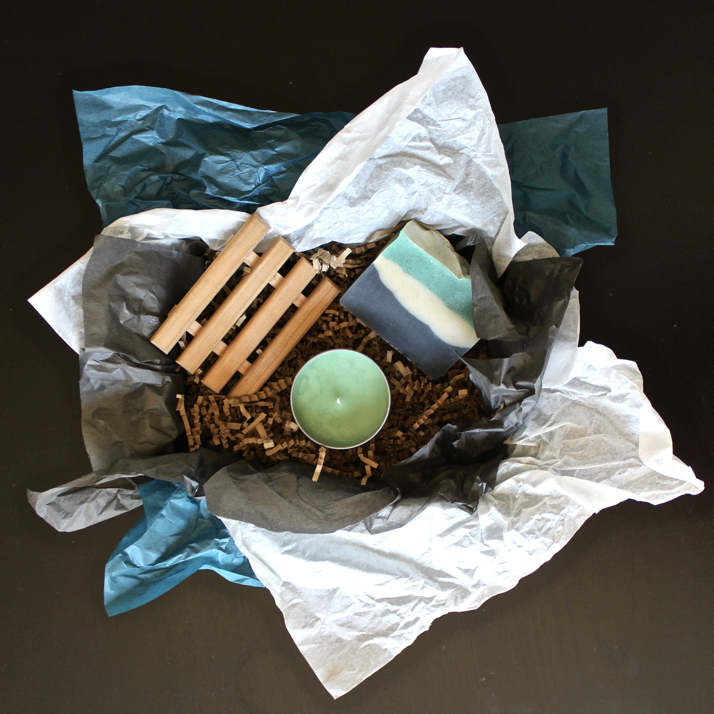 Our gift set option allows you to personalize your eco-friendly, naturally luxurious present.