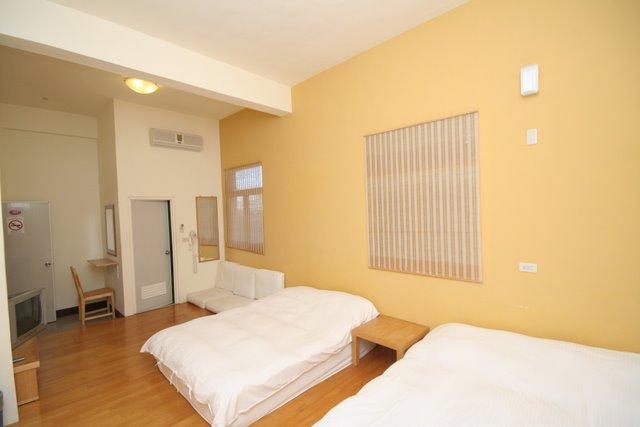 Room 101-2.jpg