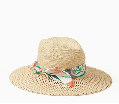 floppy.hat.vacation.png