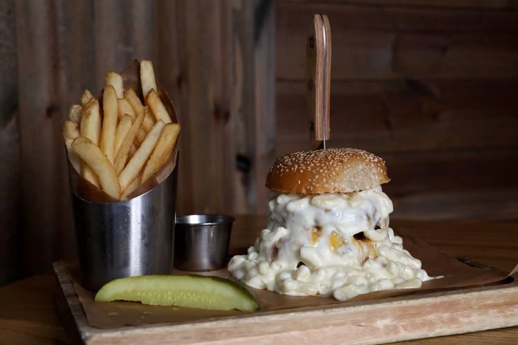 4. Ainsworth - The Mac & Cheese Burger