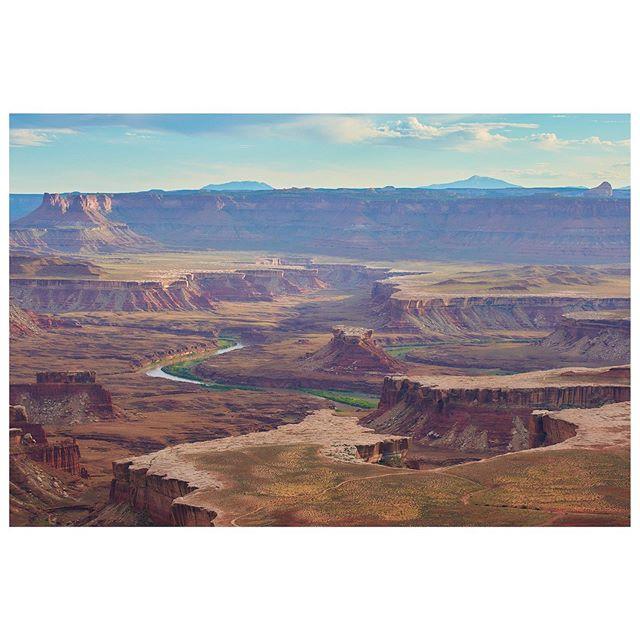 Hard rock in soft light. Hello Utah. . . . . . . . . . #somewheremagazine #natgeoyourshot #landscape #likeapainting #landscapephotography #canyon #rock #sunset #utah @nationalparkservice #coloradoriver #optoutside #canyoncountry #fulltimetravel #travel #lifeontheroad #digitalnomad #landscapephotographer