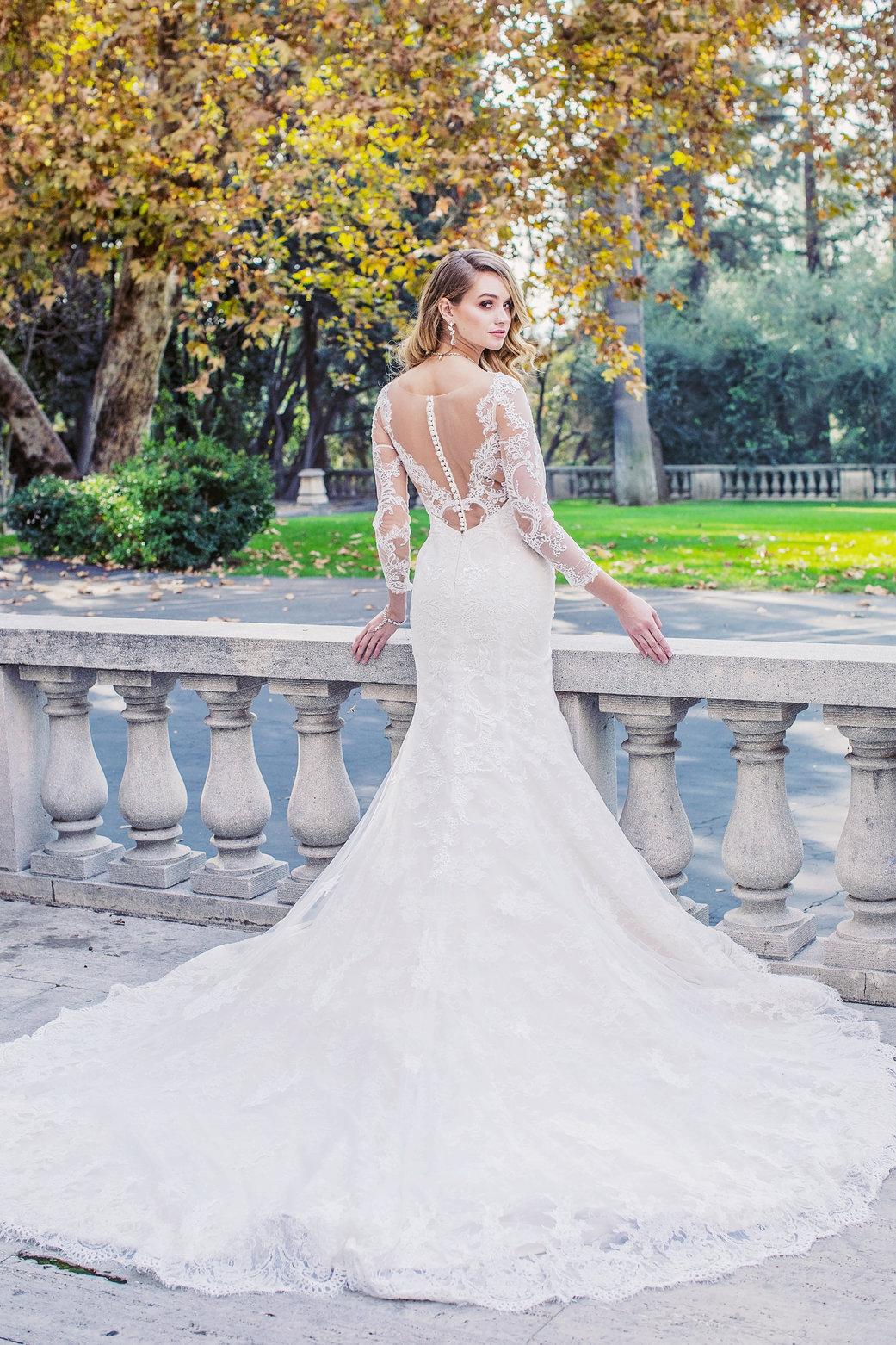rsz_jinza-bridal-long-sleeves-elsa-mermaid-back.jpg