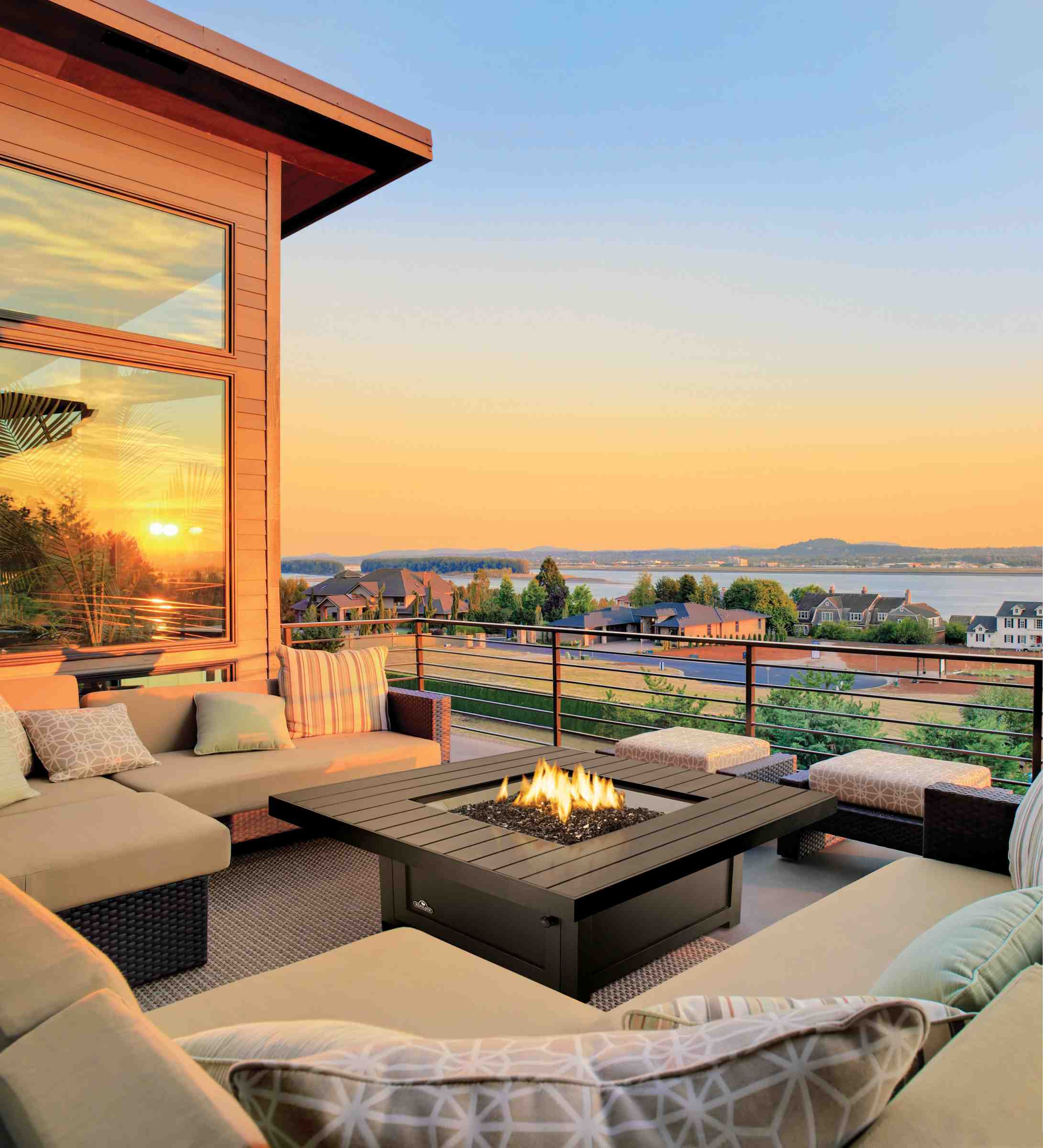 Napoleon-Fireplaces-Seattle_roofdeck.jpg
