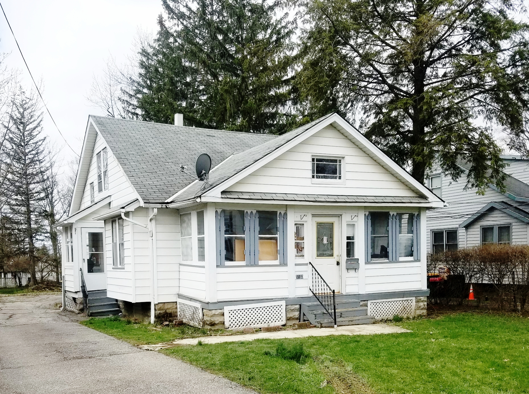 5160 Charles St., Maple Hts. | 3 bed 1 bath | 947 Sq. Ft. | $22,000