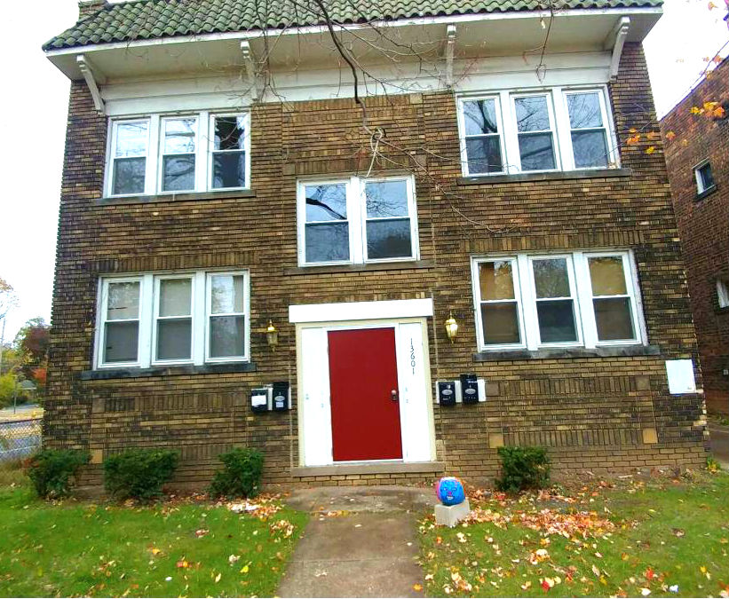 13601 Othello Ave., Cleveland | 6 bed 3 bath| 2,400 Sq. Ft. | $35,000