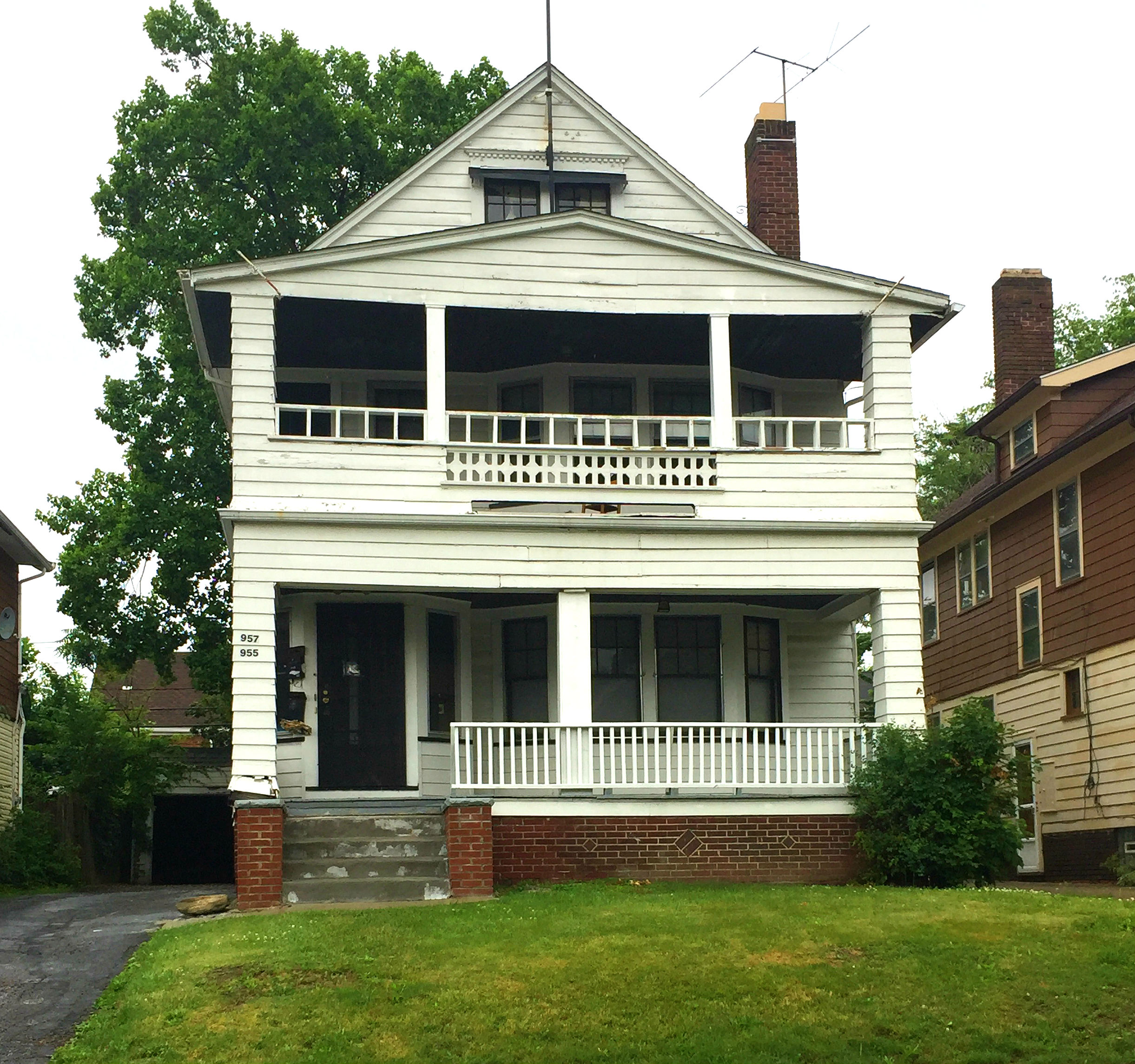 955 Helmsdale Rd., Cleveland Hts. | 4 bed 2 bath | 2,131 Sq. Ft. | $38,000