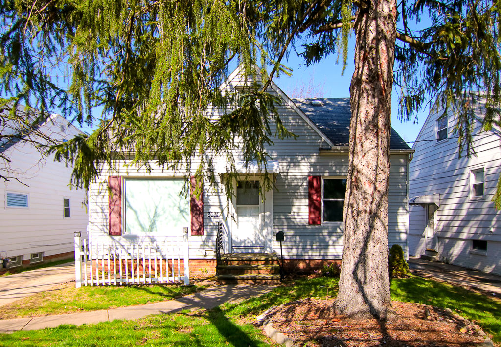 5054 Henry St., Garfield Hts. | 3 bed 1 bath | 1,044 Sq. Ft. | $56,000