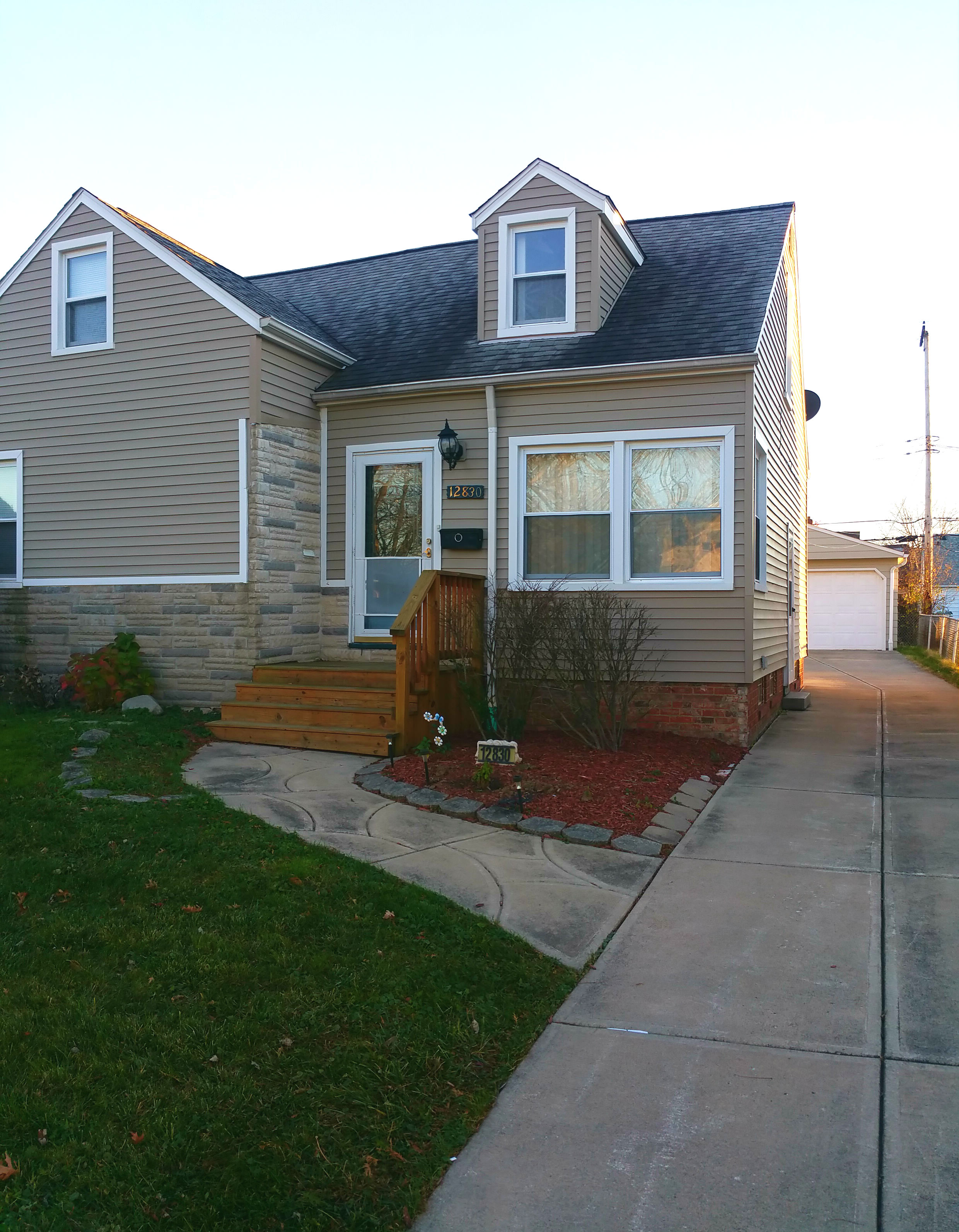 12830 Orme Rd., Garfield Hts. | 3 bed 1 bath | 1,215 Sq. Ft. | $ 61, 000