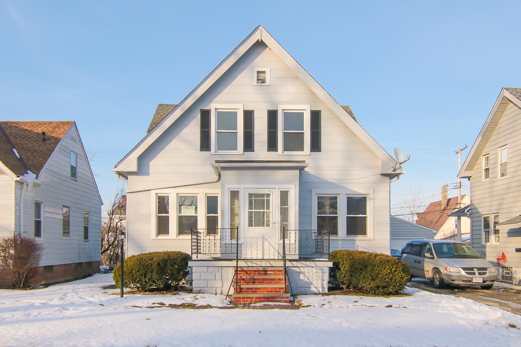10701 Vernon Ave., Garfield Hts. | 4 bed 2 bath | 2,226 Sq. Ft. | $79,900