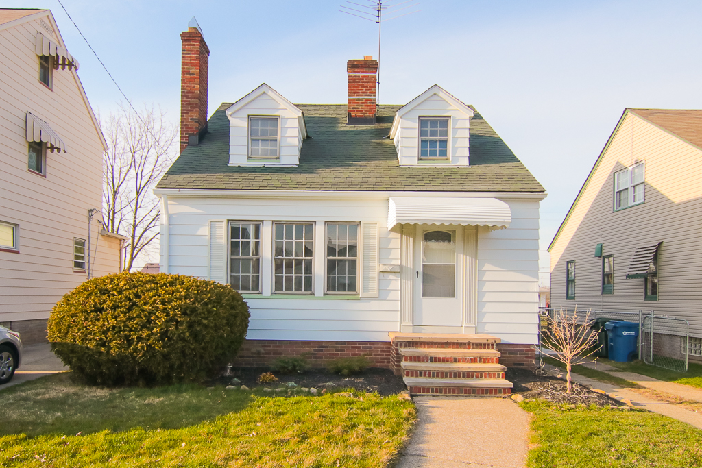 2822 Lincoln Ave., Parma | 3 bed 1 bath | 1,170 Sq. Ft. | $89,000