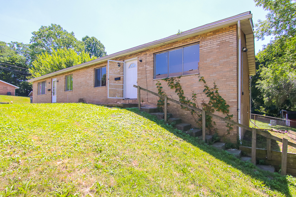 1250-1256 Roslyn Ave. #1250-1260, Akron | 4 bed 2 bath | 1,560 Sq. Ft. | $116,500
