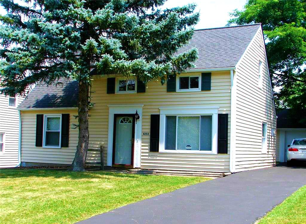 4253 Hickory Ln., Warrensville Hts. | 4 bed 1 bath | 1,344 Sq. Ft. | $72,000