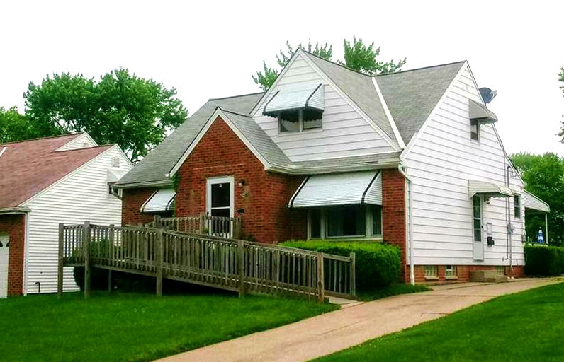 5073 Catherine S.t,Maple Hts. | 3 bed 2 bath | 1,320 Sq. Ft. | $51,500