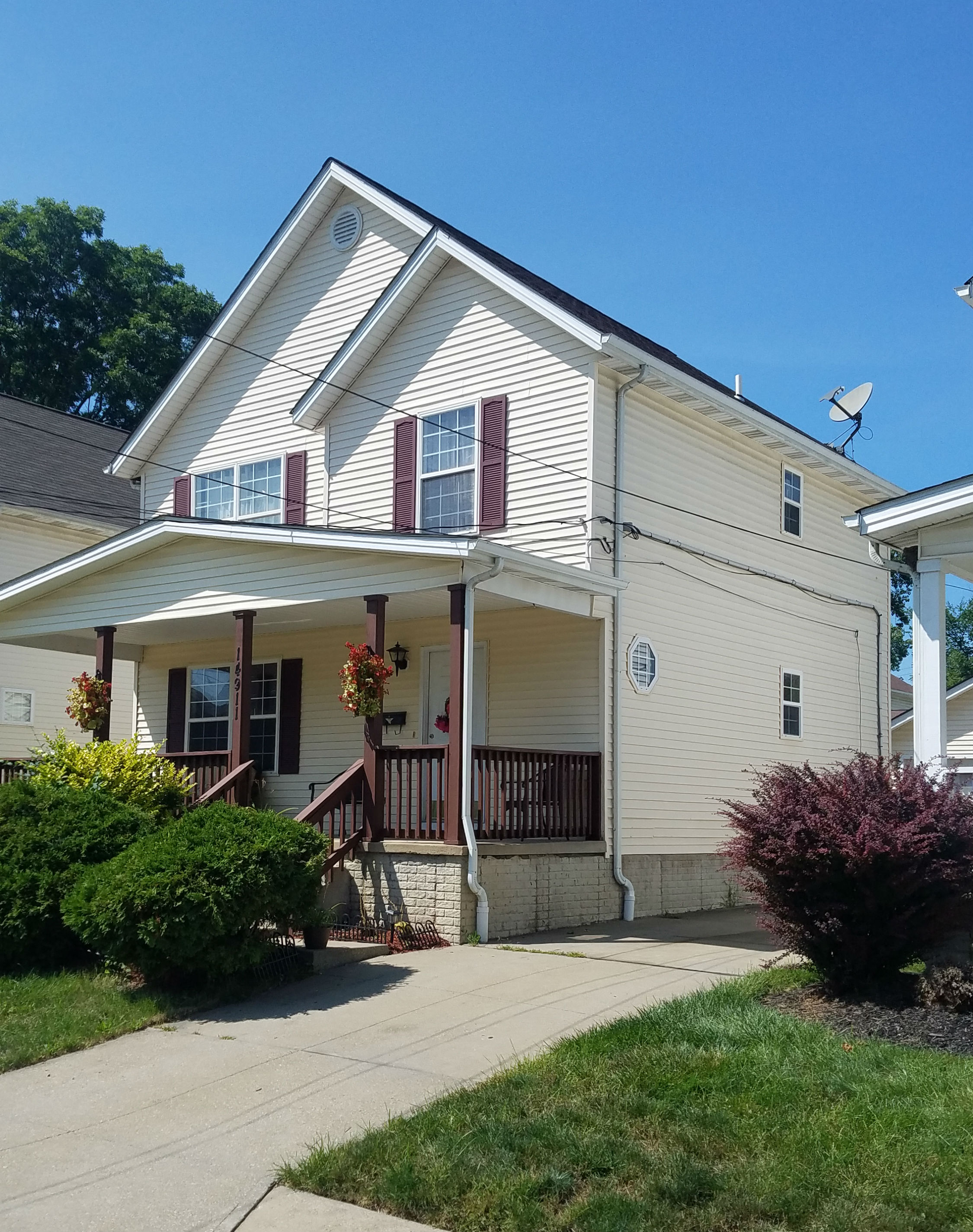 14901 Florida Ave., Cleveland | 3 bed 2 bath | 2,070 Sq. Ft. | $36,000
