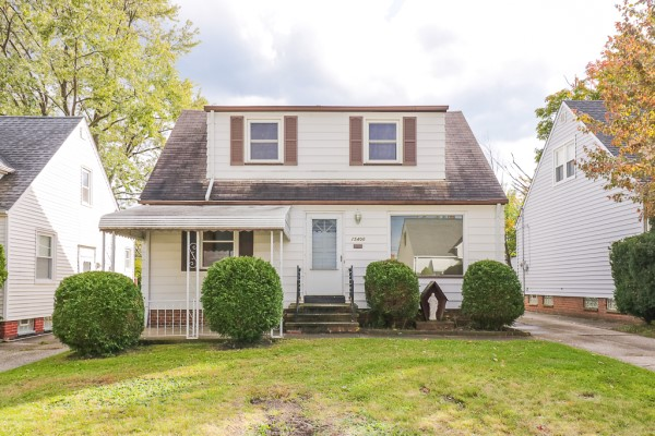 15400 Maplewood Ave, Maple Hts | 4 bed 1.5 bath | 1,159 Sq. Ft. | $65,000