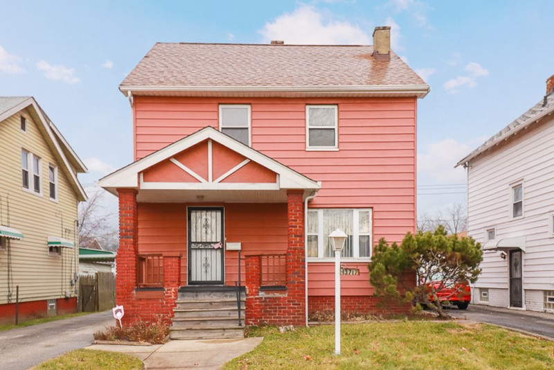13717 Maplerow Ave, Garfield Hts, OH 44105  3 bed 1 bath | 1,316 Sq. Ft. | $37,900
