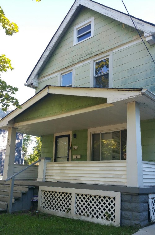 7812 Force Ave, Cleveland  3 bed 1 bath | 989 sqft | $20,500