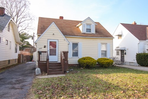 5220 Thomas St, Maple Hts  3 bed 1 bath | 1,224 sqft | $46,000