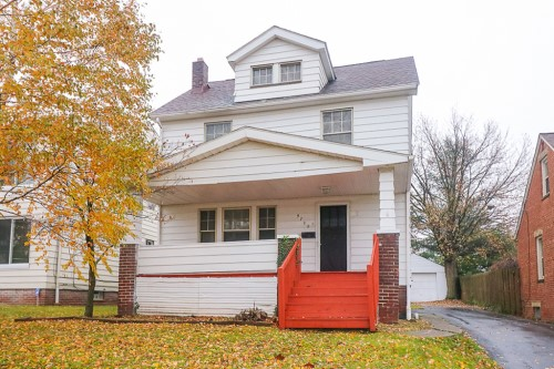 9702 Plymouth Ave, Garfield Hts  3 bed 1 bath | 1,152 sqft | $35,500