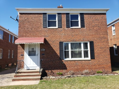 20451 Lakeshore Blvd, Euclid  4 bed 2 bath | 2,106 sqft | $110,000