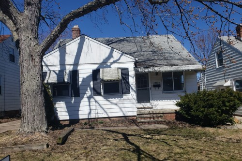 15815 Maplewood Ave, Maple Hts  3 bed 1 bath | 1,072 sqft | $37,700