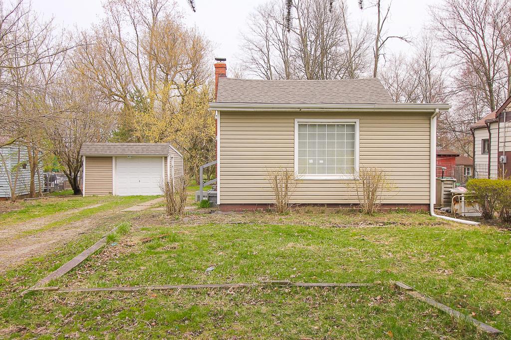 19520 Drake Rd, Strongsville