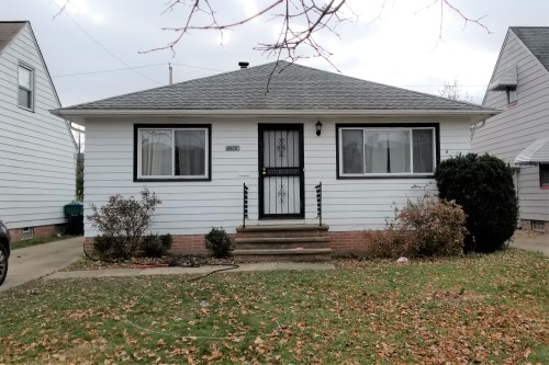21506 Kenyon Dr., Maple Hts  3 bed 1 bath | 1,092 sqft | $43,000