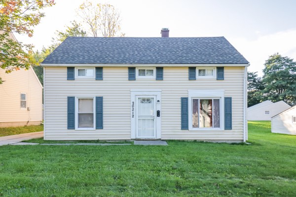 20212 Butternut Ln, Warrensville Hts    4 bed 1 bath   1,152 sqft $60,000