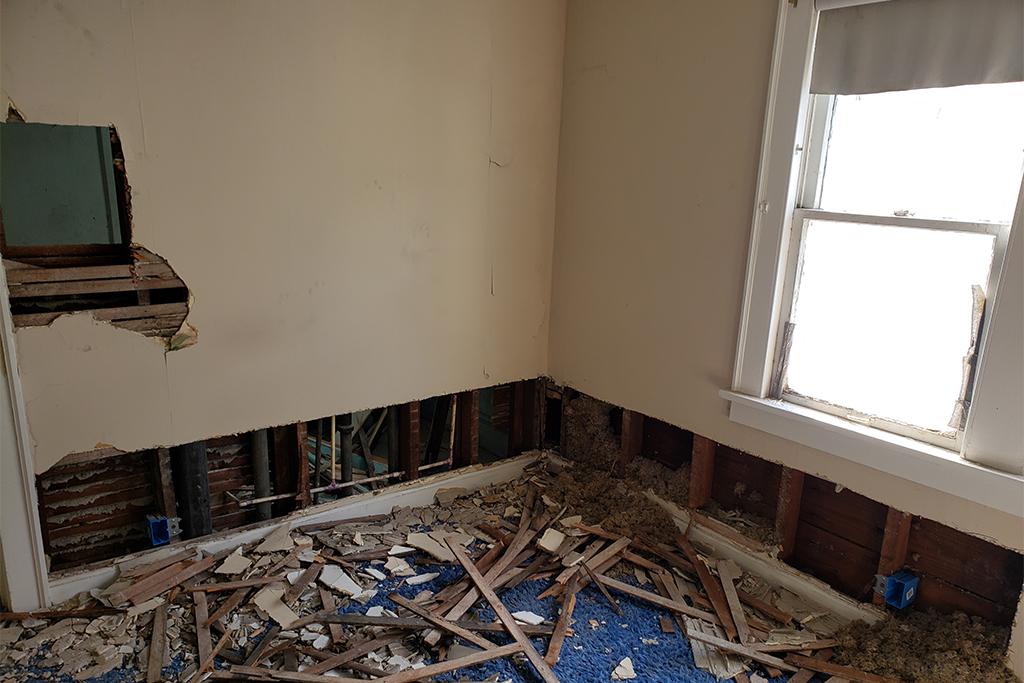1113-E169th_Bedroom_02.jpg