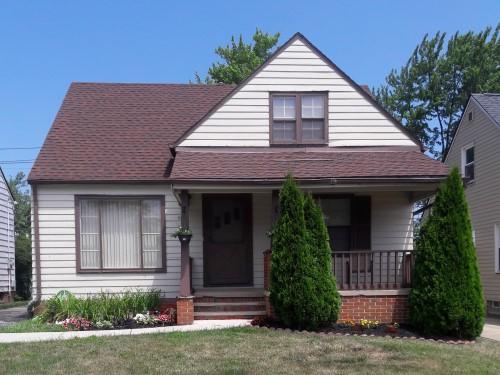 15901 Edgewood Ave, Maple Hts  3 bed 1 bath | 1,479 sqft | $52,700